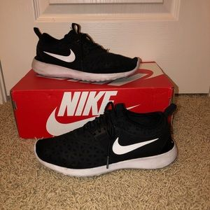 Women's NIKE Juvenate Shoes